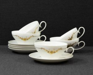 Romance in Gold teacup
