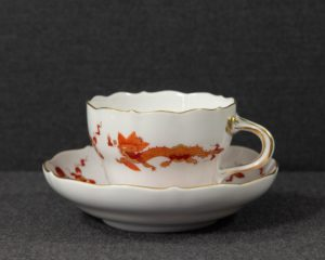 A Meissen Red Dragon Teacup.
