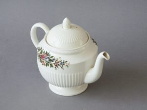 Wedgwood - 'Conway' - Teapot