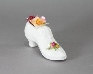 Royal Albert - 'Old Country Roses' - Floral Shoe