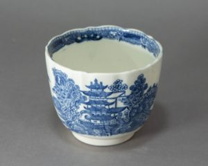 Caughley - Early (1775-99) English Porcelain Pot