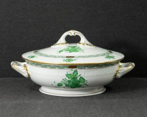 A Herend Apponyi Green Vegetable Tureen.