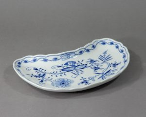 A stunning crescent shaped side plate made by Meissen in the second half of the 20th century.