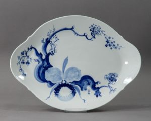 A Meissen Blue Orchid oval dish.