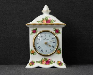 Old Country Roses clock