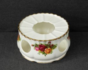 Old Country Roses warmer stand