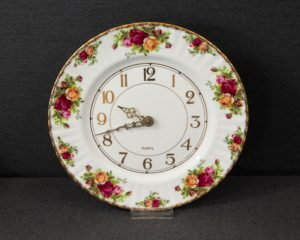 Old Country Roses wall clock