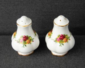 Old country roses salt and pepper shaker