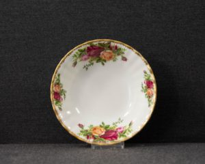 Old country roses fruit bowl