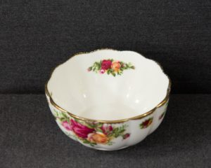 Old country roses small bowl