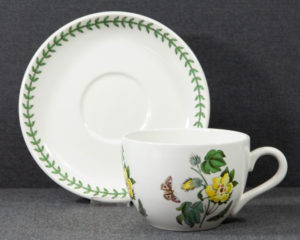 A Portmeirion The Botanic Garden 'Barbados Cotton Flower' Extra Large Breakfast Cup.