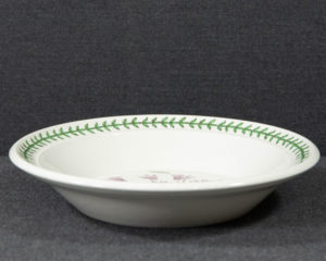 A Portmeirion The Botanic Garden 'Ivy Leaved Cyclamen' Soup Plate.