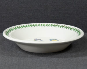 A Portmeirion The Botanic Garden 'Trailing Bindweed' Soup Plate.