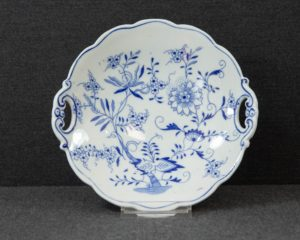 Regout Zwiebelmuster small serving dish