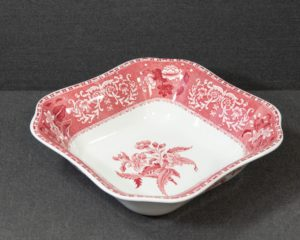 A Spode Pink Camilla Large Serving Bowl.