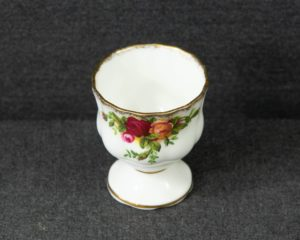 old country roses egg cup