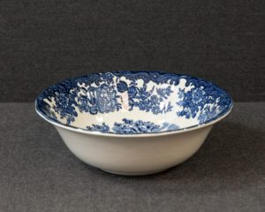 A Royal Worcester / Pallisy Avon Scenes Blue Cereal Bowl.