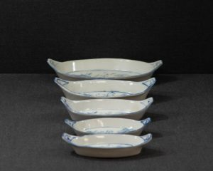 An Antique Zwiebelmuster Dishes Set.